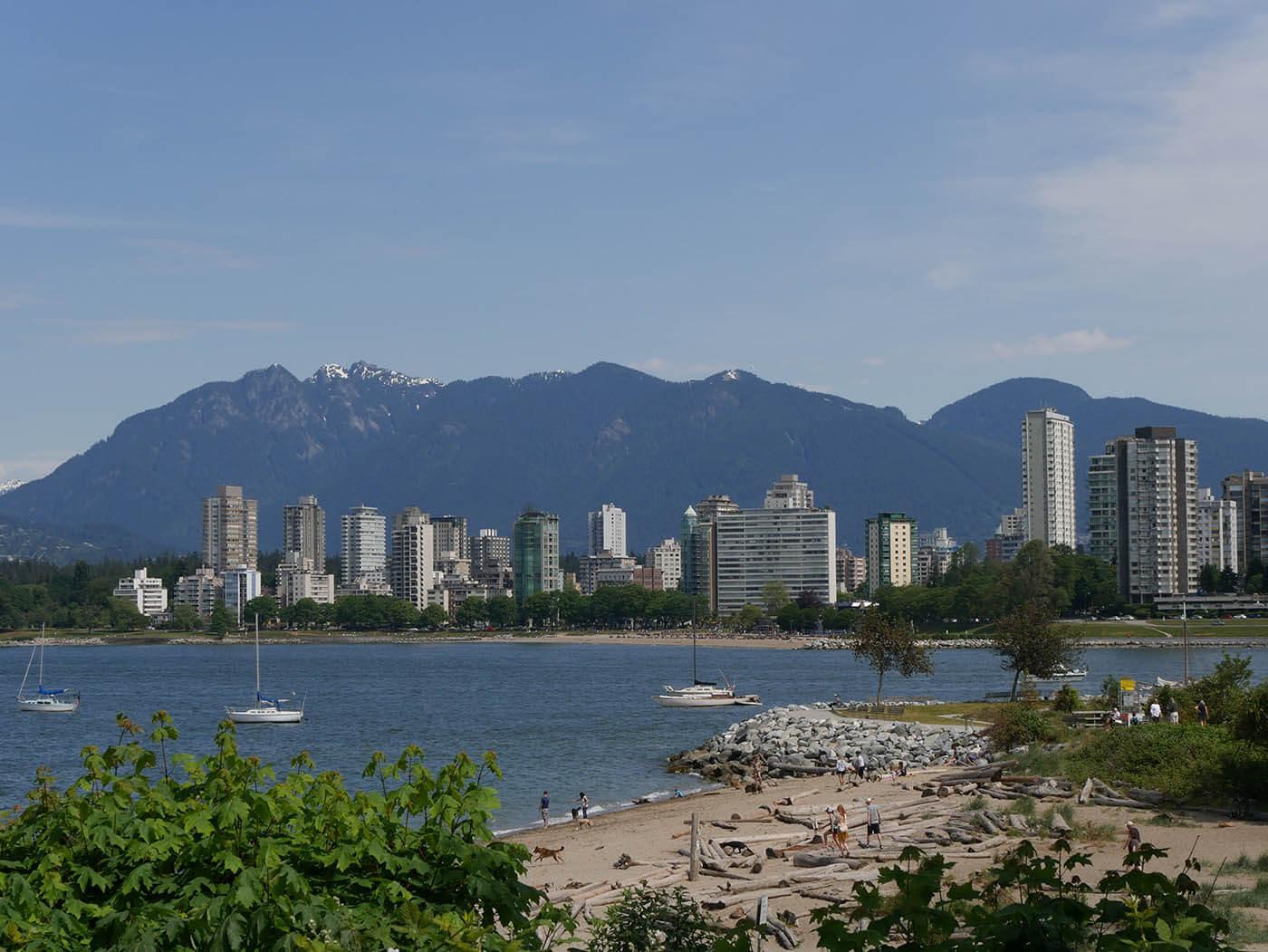 ville de Vancouver avec vue sur les montagnes