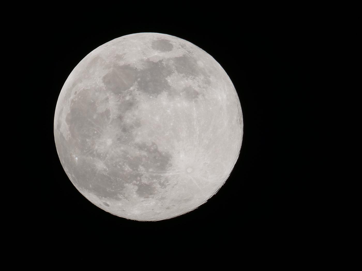 astre lunaire en image haute résolution 80 Millions Pixels avec Lumix G9