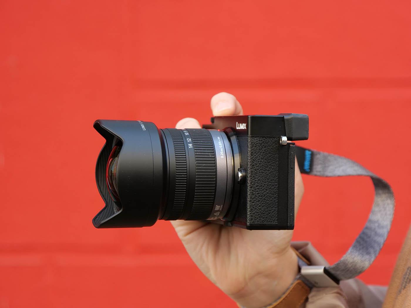 objectif grand angle Panasonic 7-14 mm f4.0