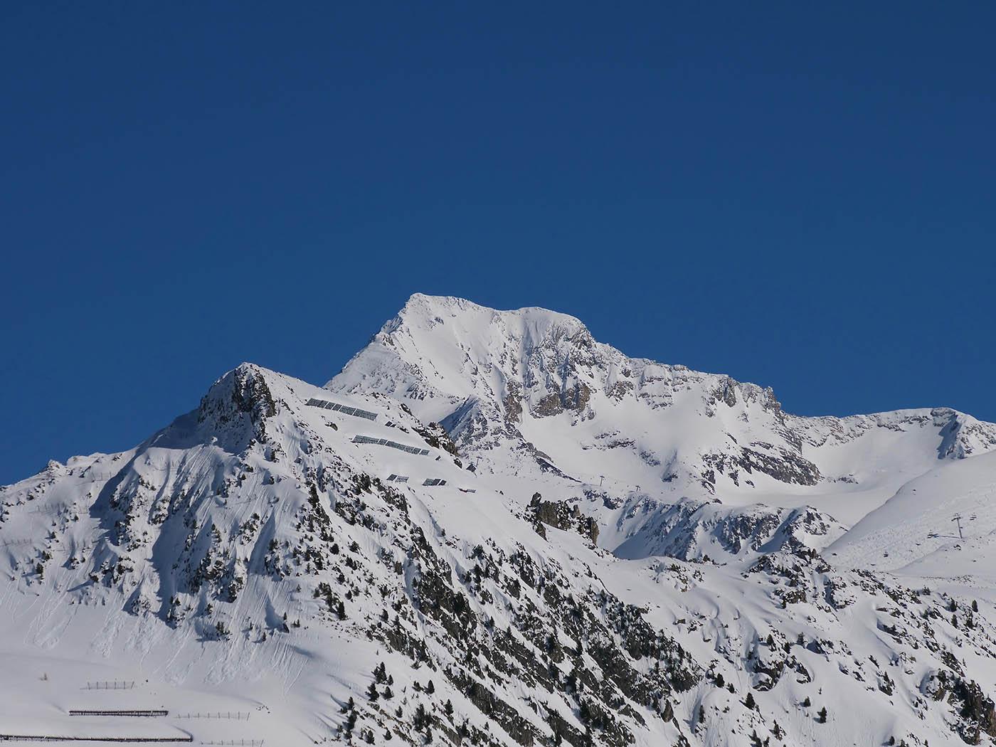 photo de montagne prise avec Olympus 12-200 mm