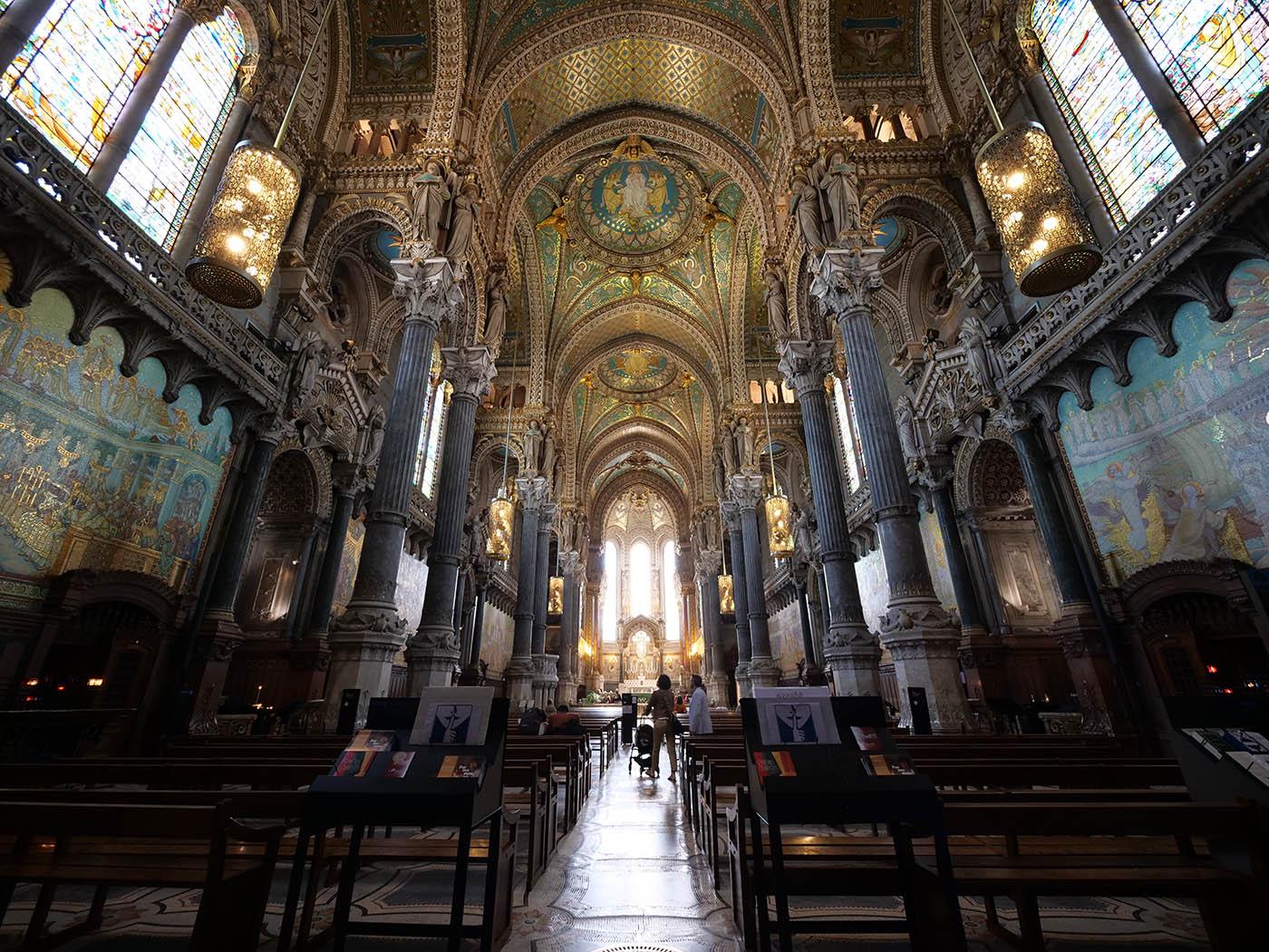 Basilique Fourvière de Lyon intérieur